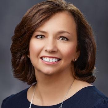 Headshot of author Denise Munro