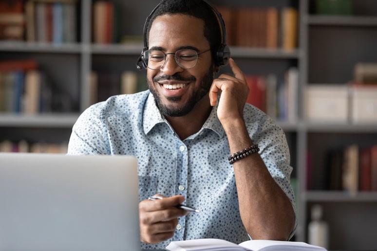 Photo showing happy customer on phone