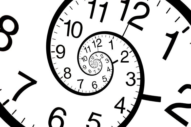 Swirled clock