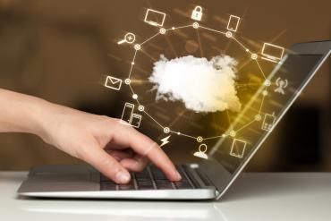 A cloud depicting a UC platform